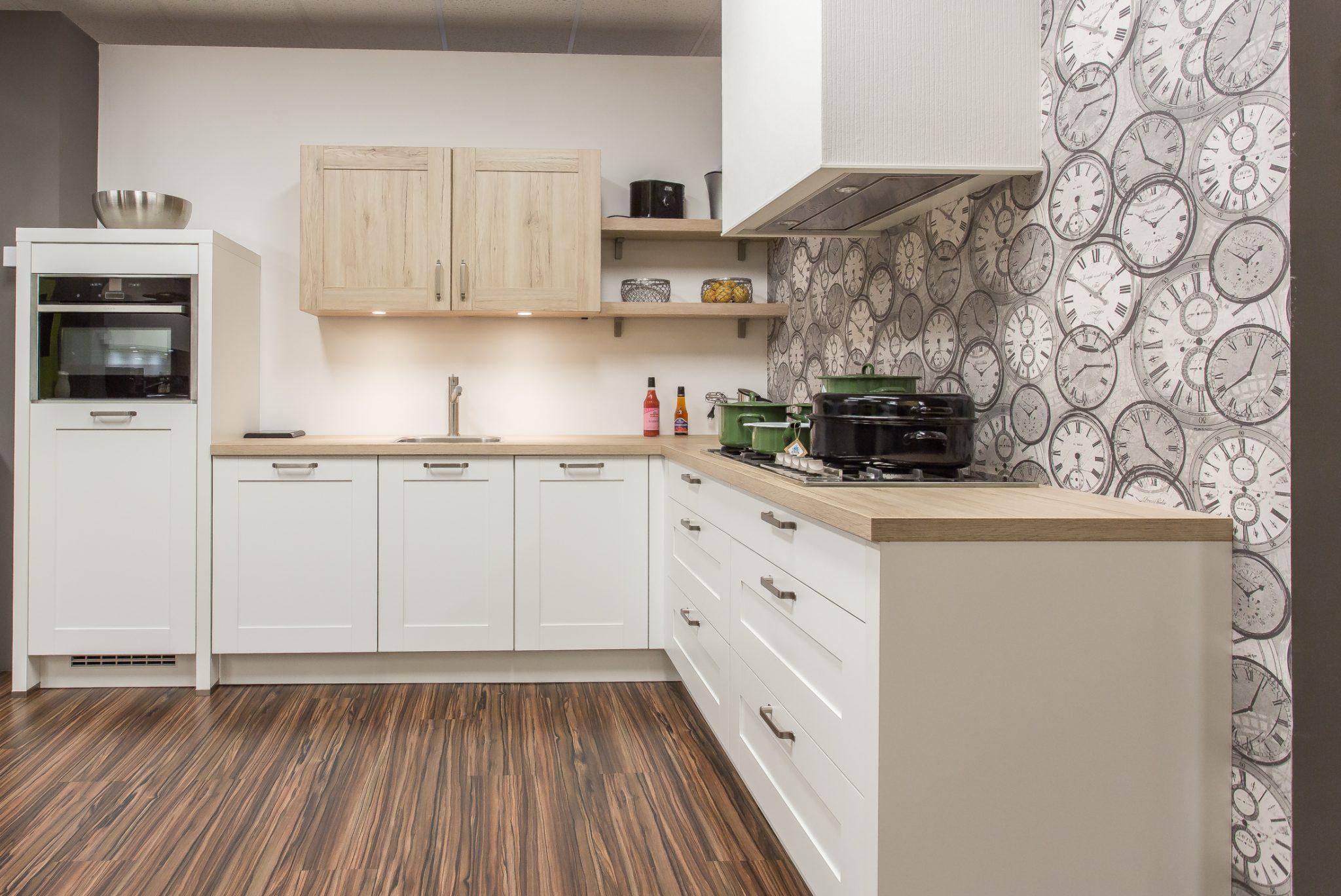 Design Keukens Showroommodellen : Molto cucina cottage weiss showroommodel uniek keukens